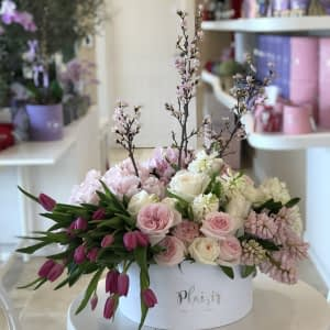 White Spring Hatbox White _ Pink blossoms-StyleB.jpg