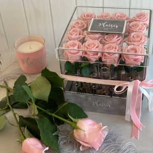 VIP Acrylic Square fresh Pink Roses