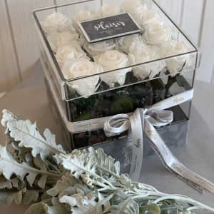 Acrylic Square All White Fresh Roses